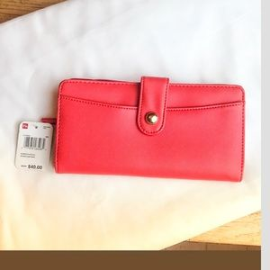 Mundi easy to clean red snap wallet